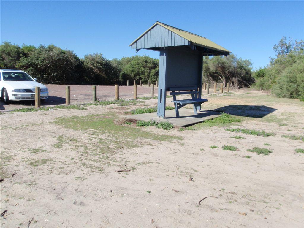 Tea Tree Picnic Area to Bird Island Lookout walking track
